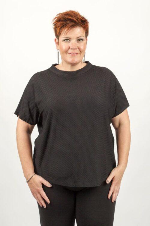 kortærmet sort bluse
