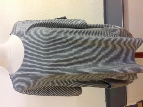 viskose bluse grå med striber