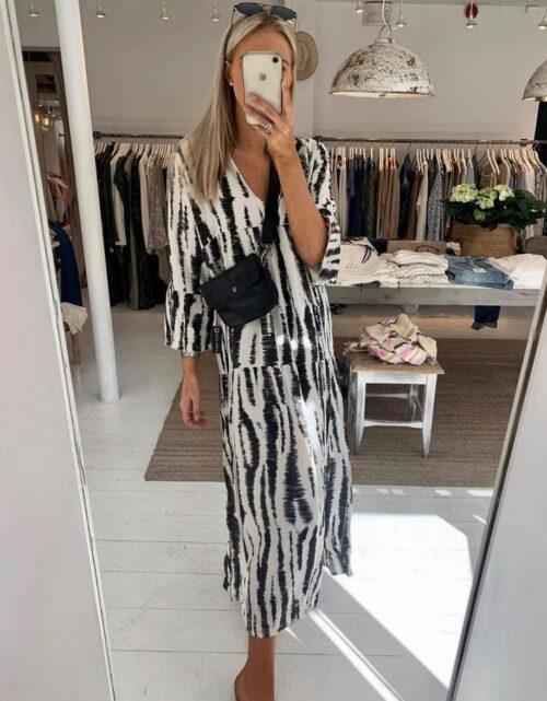 zebrastribet lang kjole