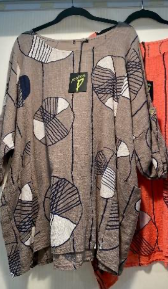 Brun tunika med print