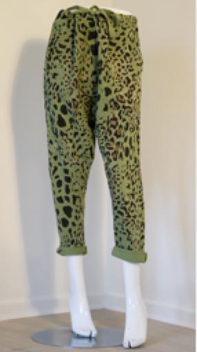 Janne K grønne bukser med leopardprint